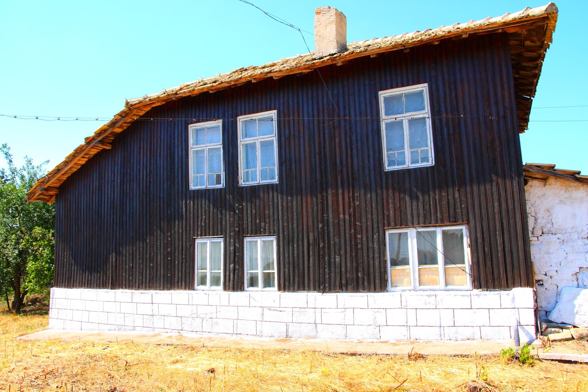 The Rural Queen in Goritsa near Popovo RUS8322