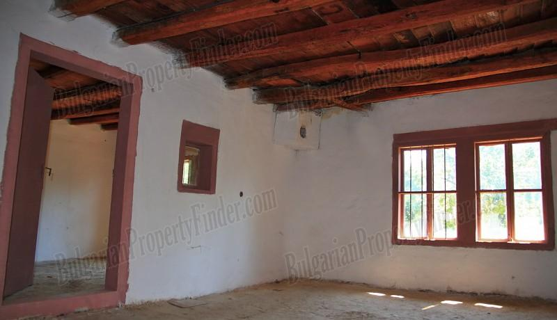 History Stone House in Bulgaria0012