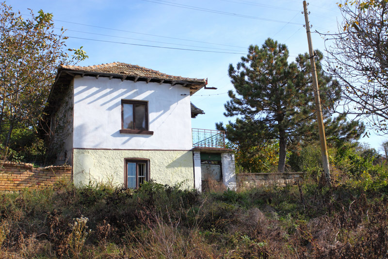Mybulgaria house for sale in tsar asen near popovo for Cheap houses for sale