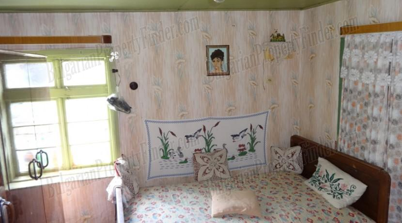 Cheap House in Bulgaria0004