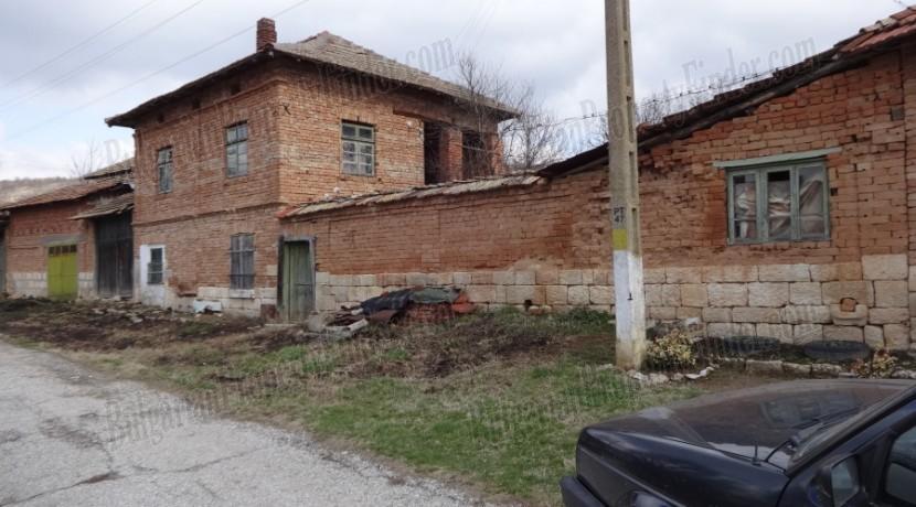Cheap House in Bulgaria0012