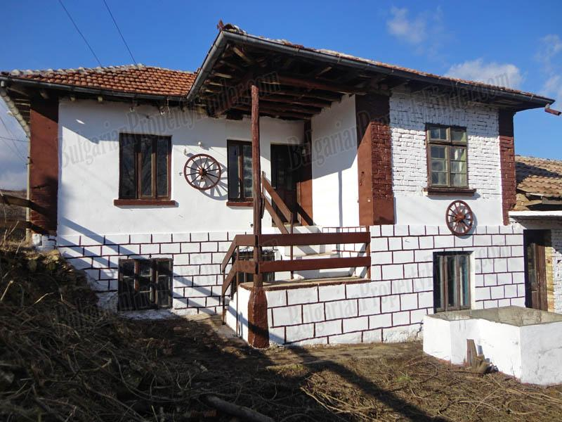 Property in Bulgaria near Ruse and Romania House in Katselovo BPFVG150203