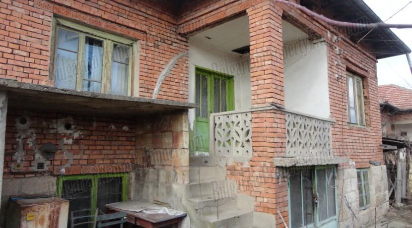 House near Veliko Tarnovo0001