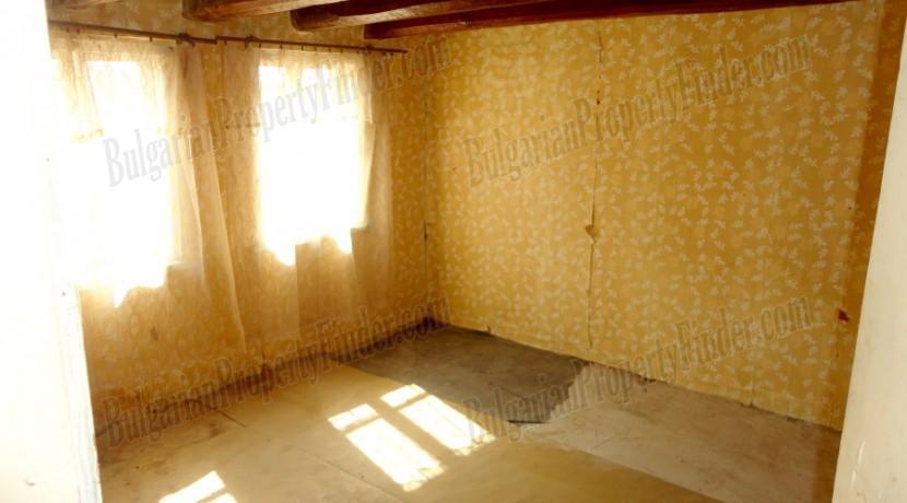 Bulgaria Cheap House0015