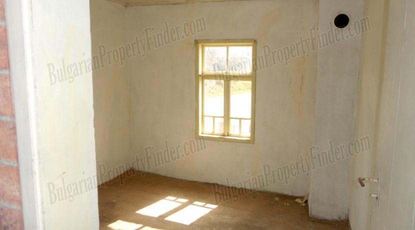 Bulgaria Cheap House0021