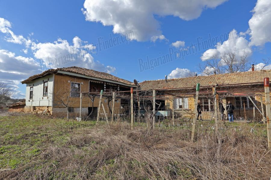 One Property Two Houses for sale among the Clouds in Osikovo Bulgaria BPFVG15040202