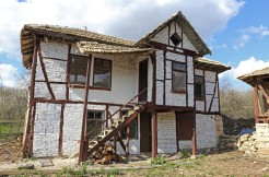 Dream Bulgarian Home with more than 2000 sq. meters of Land and own Water Well in Osikovo BPFVG15040201