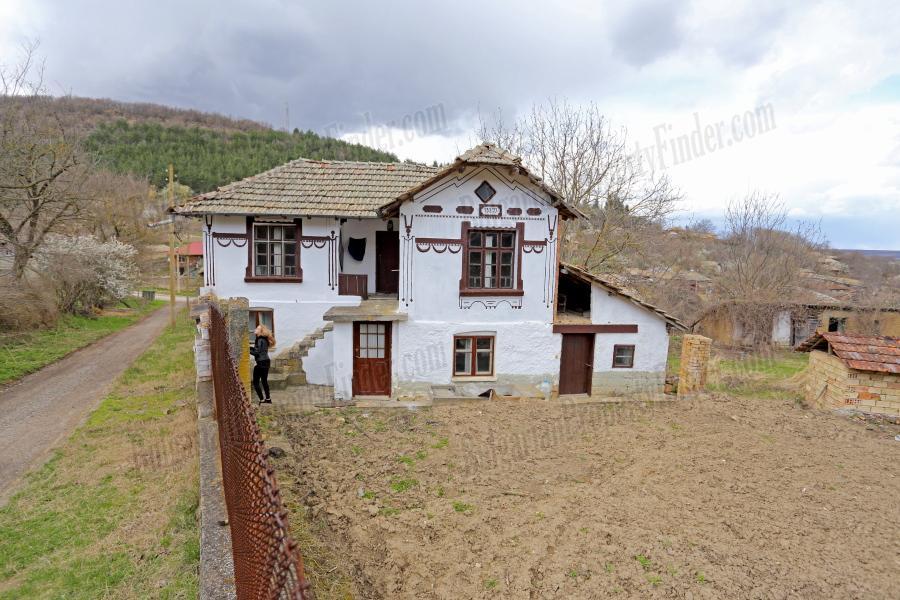 traditional bulgarian house for sale in gorsko ablanovo
