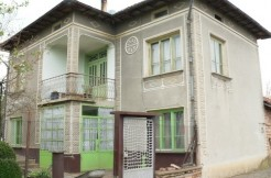 House for sale near Veliko Tarnovo and Pavlikeni plus 2800 sq. meters of land BPF1507151