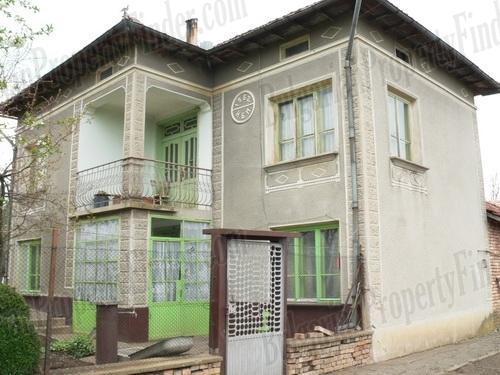 House for sale near Veliko Tarnovo and Pavlikeni plus 2800 sq. meters of land BPF1507151