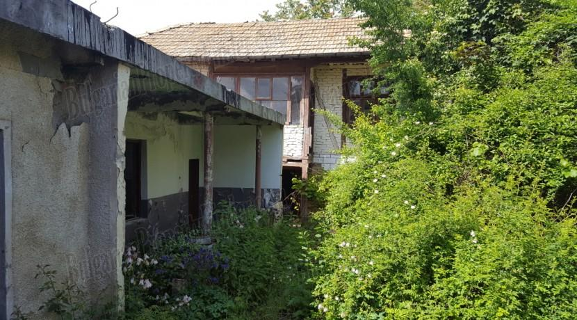 Buy house bulgaria houses to buy in bulgaria 28 images new for Is it cheaper to build or buy a house