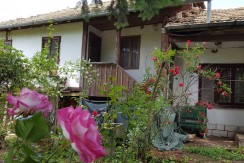 House of Roses in Osikovo Bulgaria 1800 sq.m of land BPFVG16060201